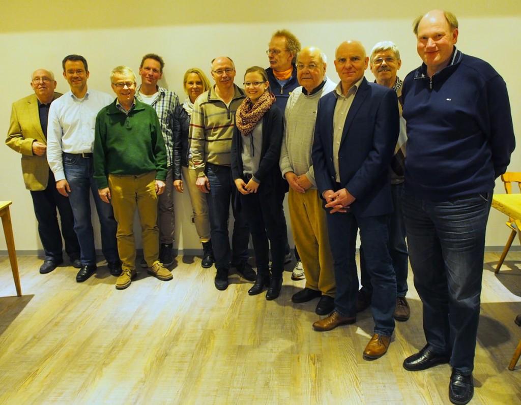 v.l.n.r.: Claus Reuße (Statistiker), Jörg Krahl (Jugendwart), Hans–Jürgen Beck (Kassenwart), Bernd Lillie (Kampfrichterwart), Stefanie Goerlich (Schriftwartin), Dr. Holger Zielonka (Breitensportwart), Annika Wartenberg (Jugendwartin), Dieter Thürnau (Ehrenmitglied), Dietrich Wrobel (2.Vorsitzender), Uwe Wartenberg (1. Vorsitzender), Reiner Dismer (Pressewart), Friedrich Eilers (Sportwart)