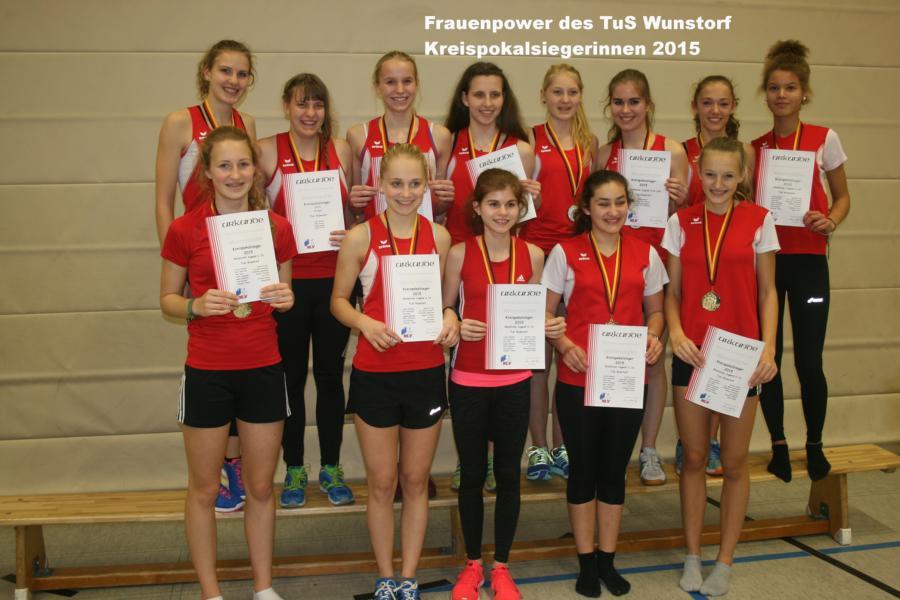 Vergabe der medaillen an die wunstorfer kreispokalsieger for Pokale hannover